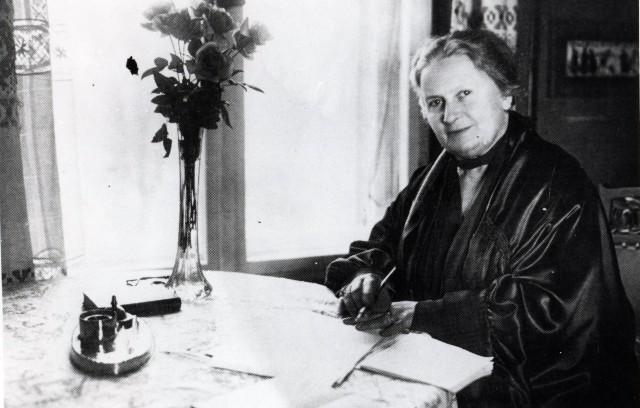 """Maria Montessori: """"il gioco è il lavoro del bambino"""""""