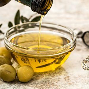 Olio d'oliva, di canapa, di sesamo e di lino: amici del cuore e non solo