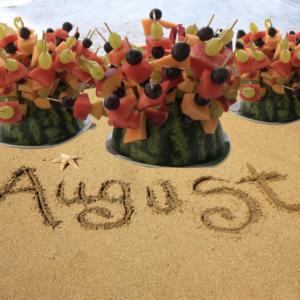 Spiedini di frutta originali per l'estate