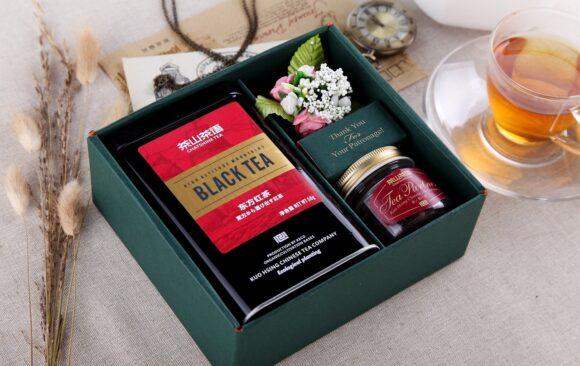 Tutte le curiosità sul tè: come si scrive, meglio in bustina o in foglia e che proprietà ci offre.